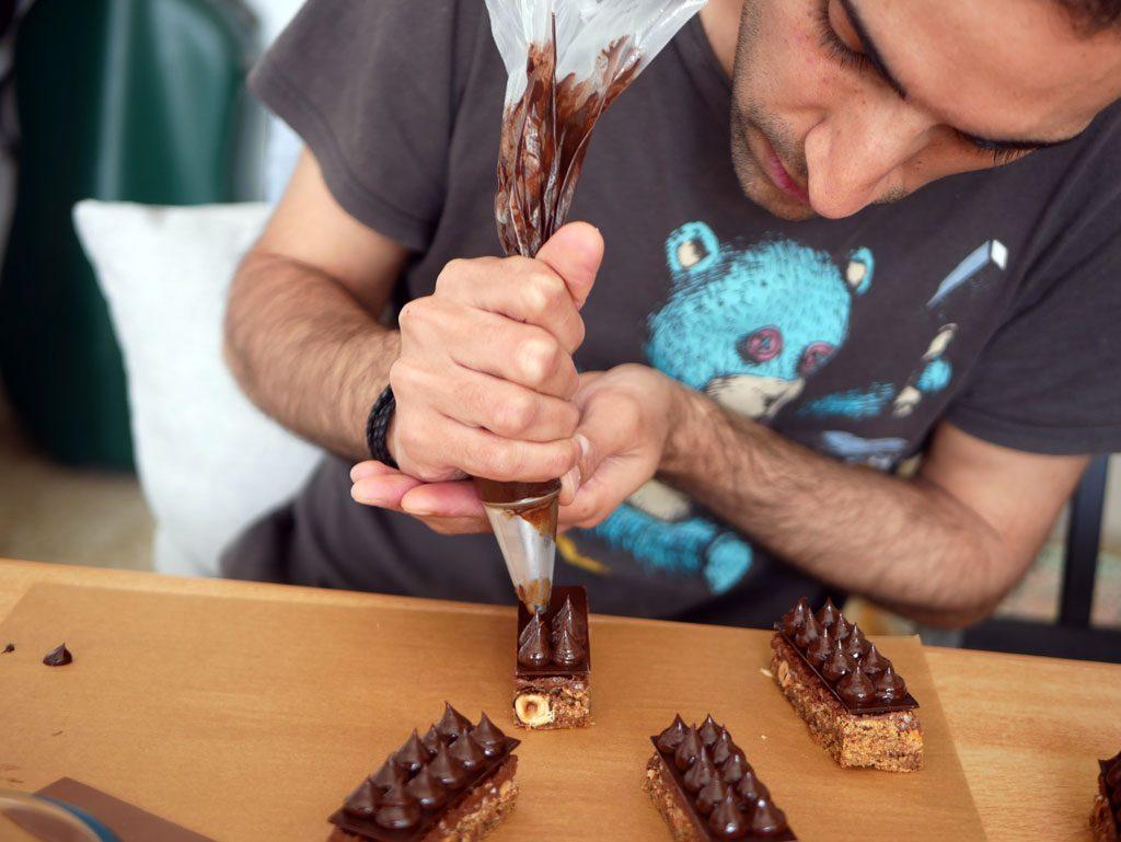 זילוף גנאש שוקולד מריר