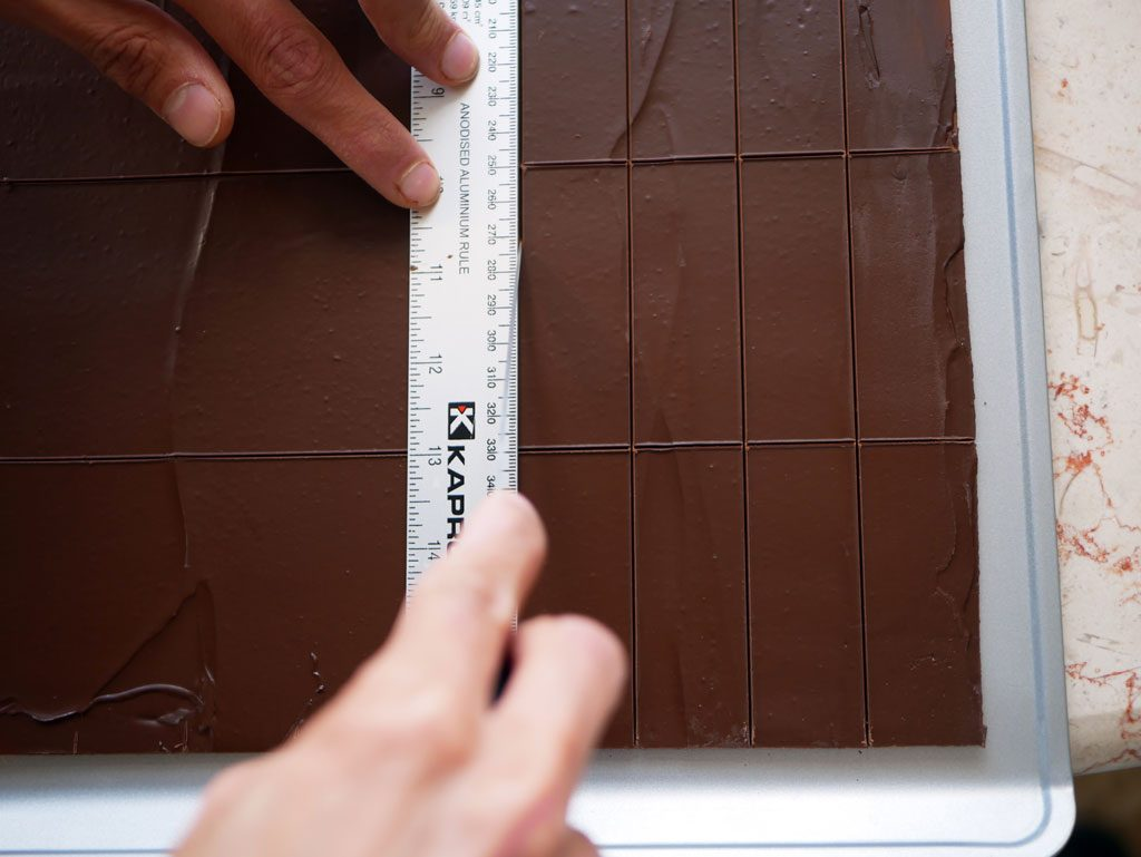 Cutting chocolate sheets