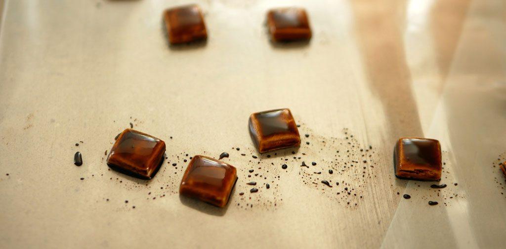 צביעת בצק סוכר כדמוי עץ