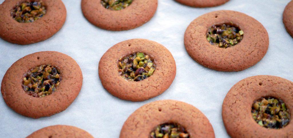 עוגיות גי'נג'רברד ונוגטין פיסטוק