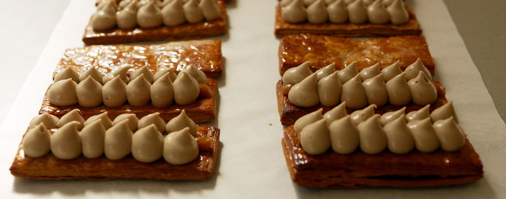 Assembling the mille-feuille