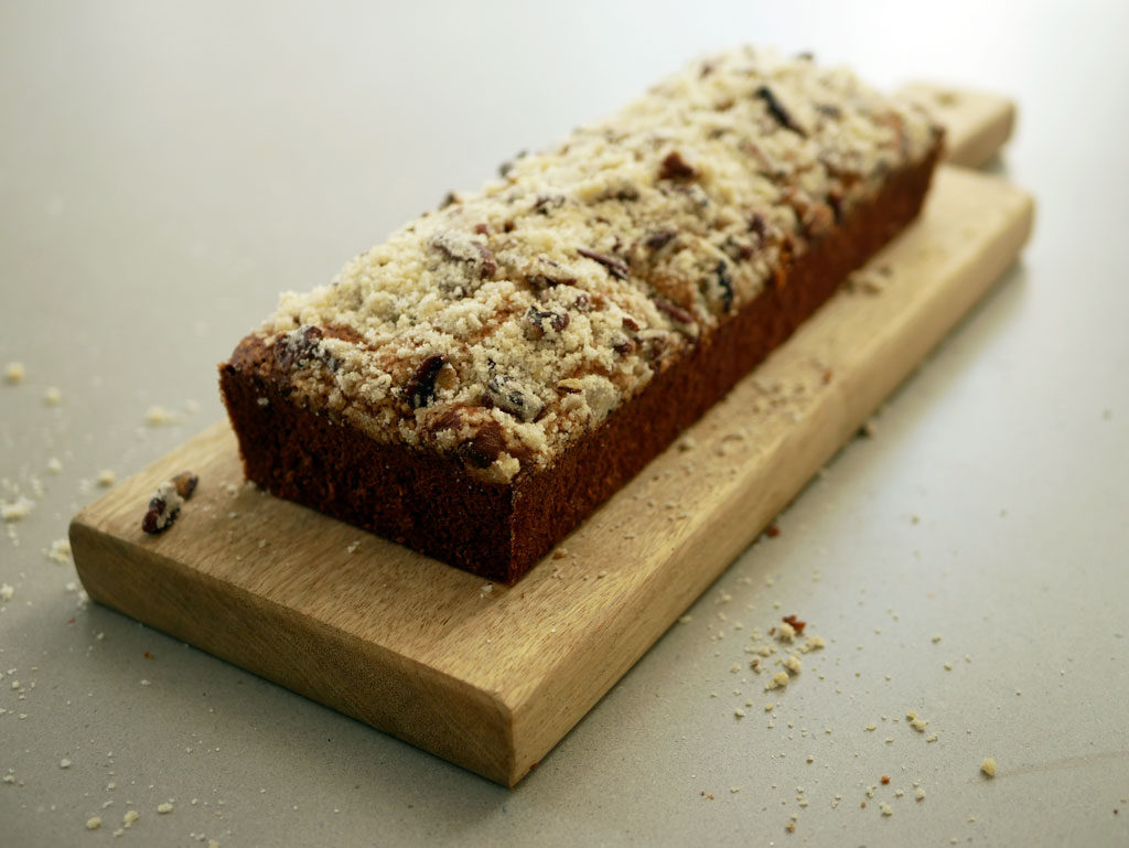 Banana Cake with Pecan Crumble